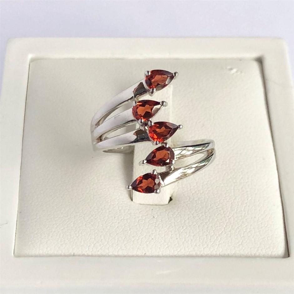 Elegant 925 Sterling Silver Natural Garnet Ring
