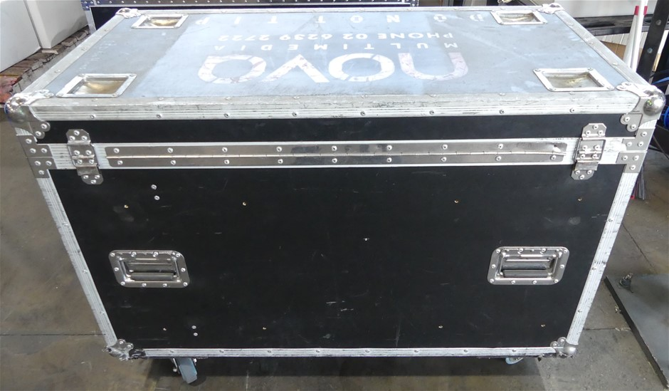 Road Case With Approx. 18x150cm LED video curtain led stage light curtains
