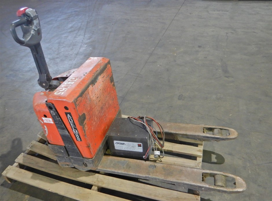BT LWE180 Walk Behind Electric Pallet Truck (Pooraka, SA)