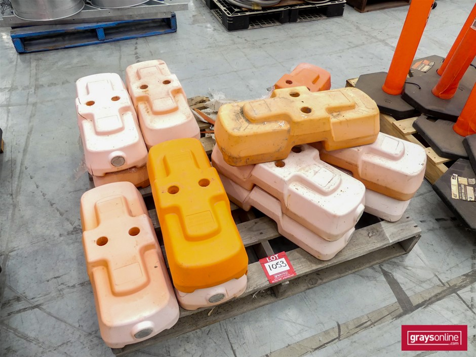 13 x Used Temporary Fence Support Feet