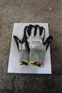 Qty 66 x Glass Handling Gloves