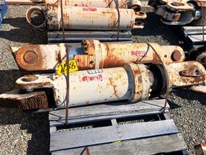 R190 Cylinder Gp Rear Strut 10000hrs Y28