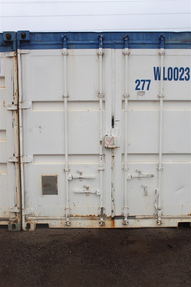 2000 20-Foot Shipping Container