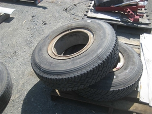 2 x 8.25x15 Float Tyres on Rims