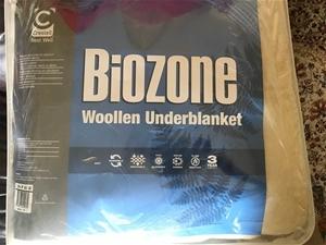 BioZone Wollen Under Blanket