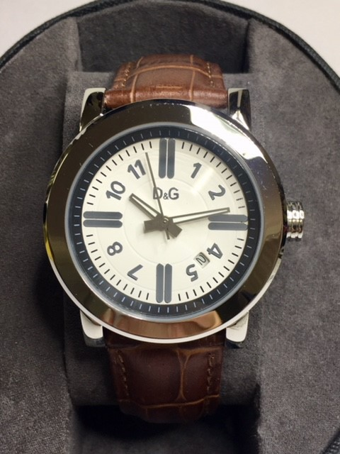 Simply stylish Dolce & Gabbana luxury designer unisex watch.