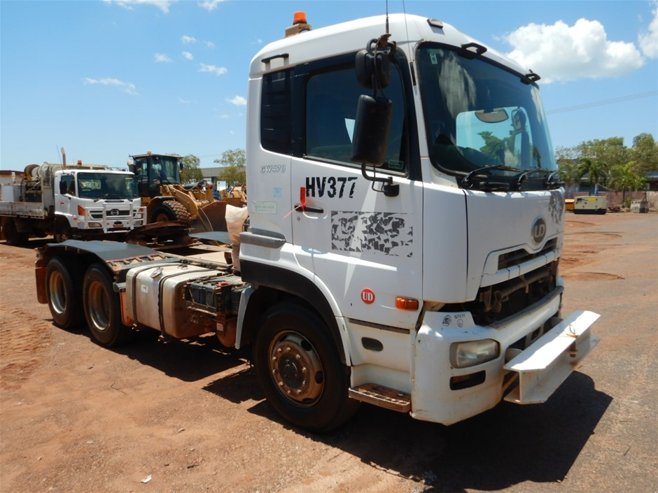 2010 UD GW470 6 x 4 Prime Mover Truck