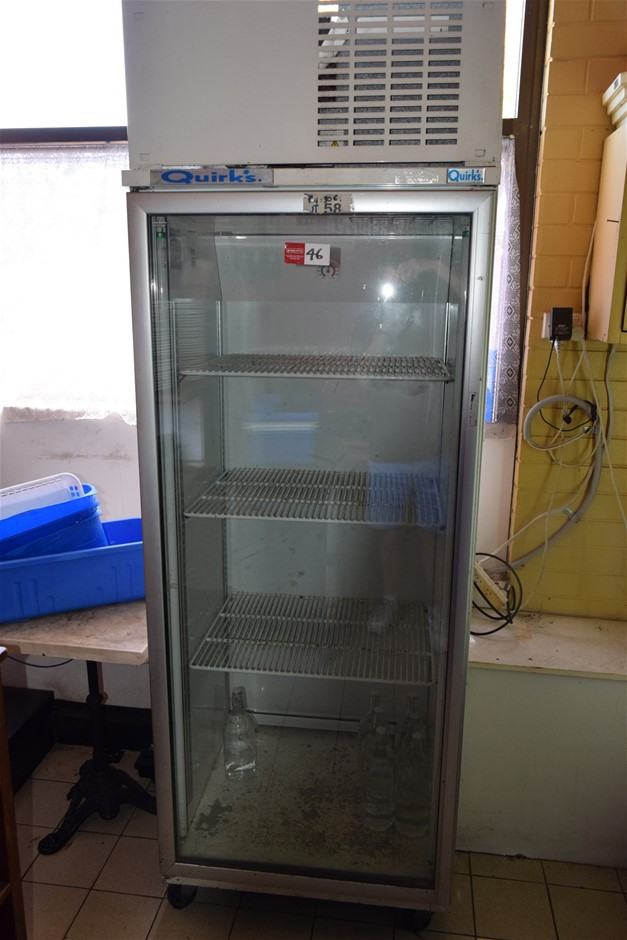 Quirks Single Glass Door Drinks Refrigerator