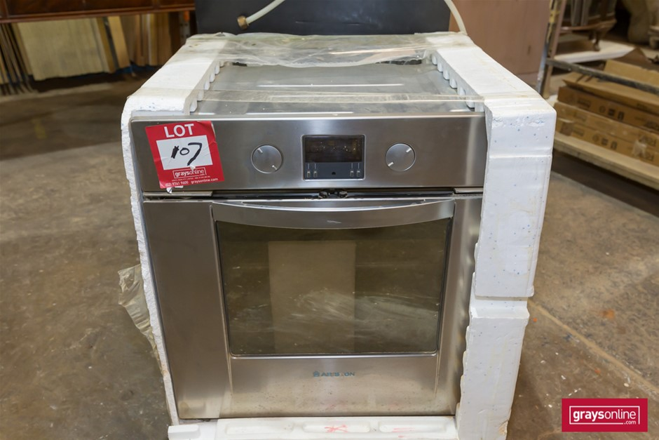 Unused Ariston, Electric Wall Mounted Oven