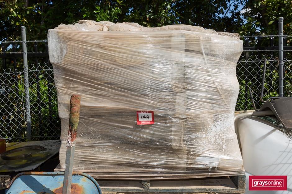 Pallet of 50 x Concrete Veranda Post