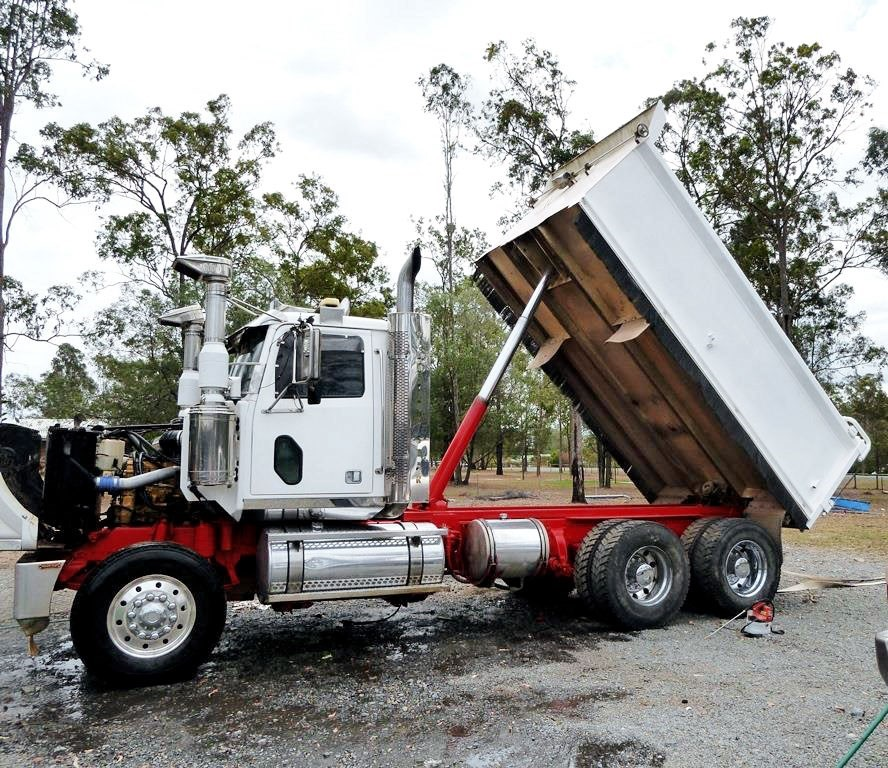 2007 Western Star 4800FX Constellation 6 x 4 Tipper Truck