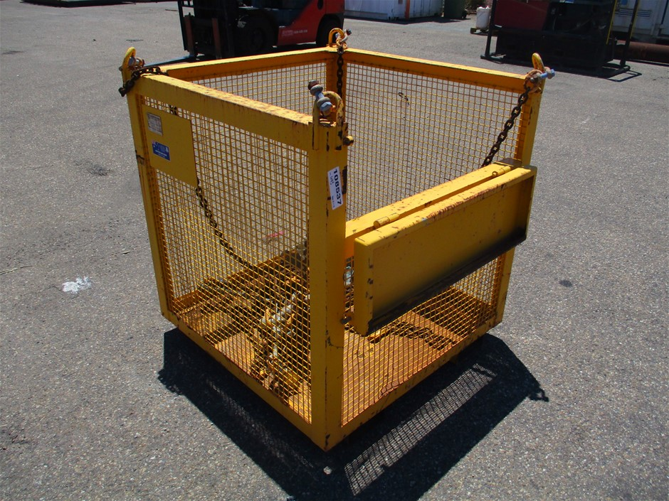 2015 Nobles Lifting Cage
