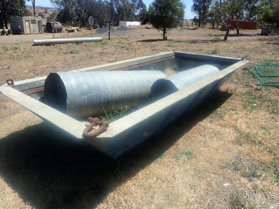 Feed hopper , 1550 wide x 3800 long.
