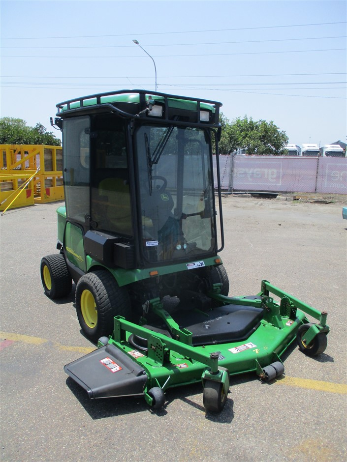 2013 John Deere 1565 Series II 4WD Commercial Out Front Mower