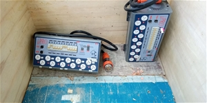 Pallet of Assorted AV lighting gear