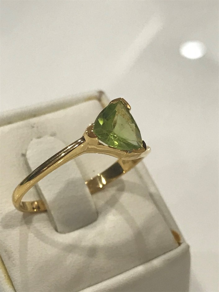 Brilliant 2.00ct Peridot & 18K Gold Vermeil Ring. Size P 1/2 (8)