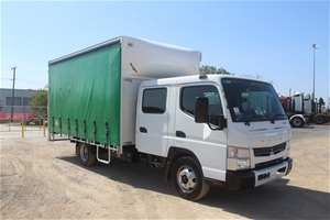 2015 Fuso Canter 815 Auto T/DSL Curtains