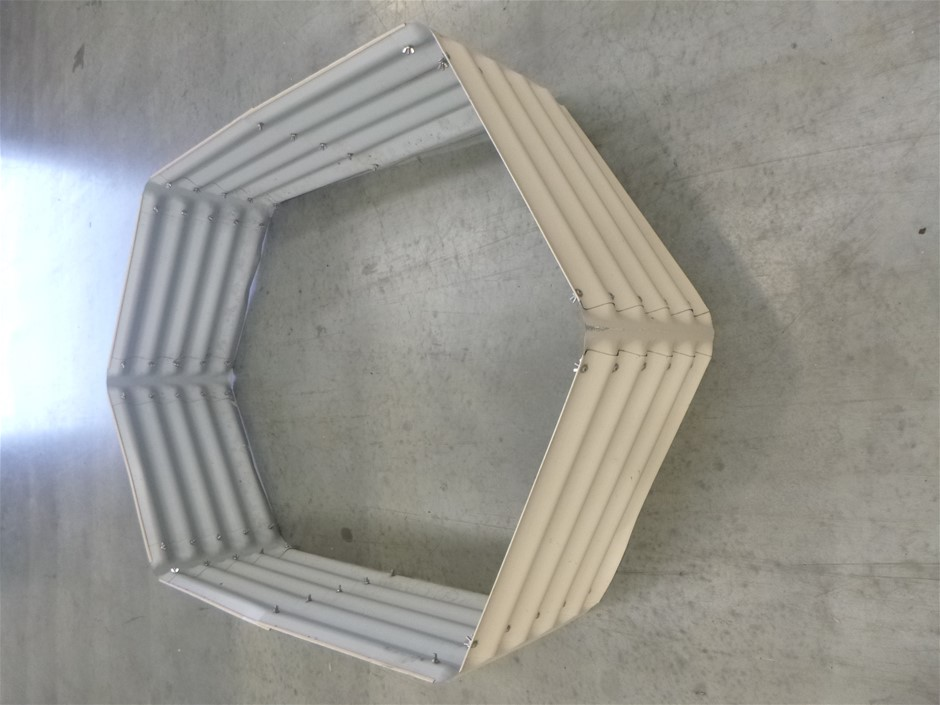 Garden Bed Border and Perspex Shade Awning Auction (0094 ...