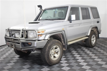 2011 Toyota Landcruiser GXL (4x4) VDJ76R Turbo Diesel Manual Wagon