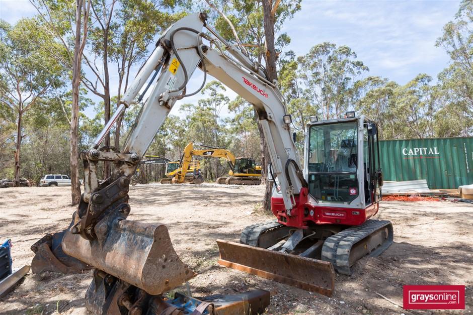 2017 Takeuchi TB260 6.3 Ton Hydraulic Compact Excavator