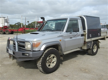 2007 Toyota Land Cruiser GXL 4WD Cab Chassis