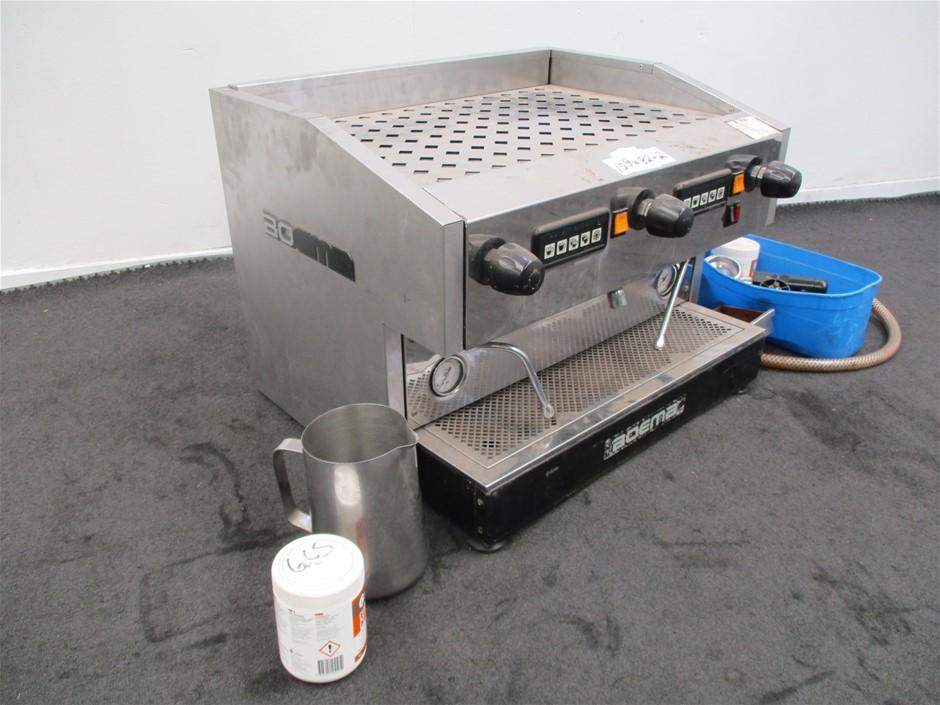 Boema Coffee Machine with Accessories