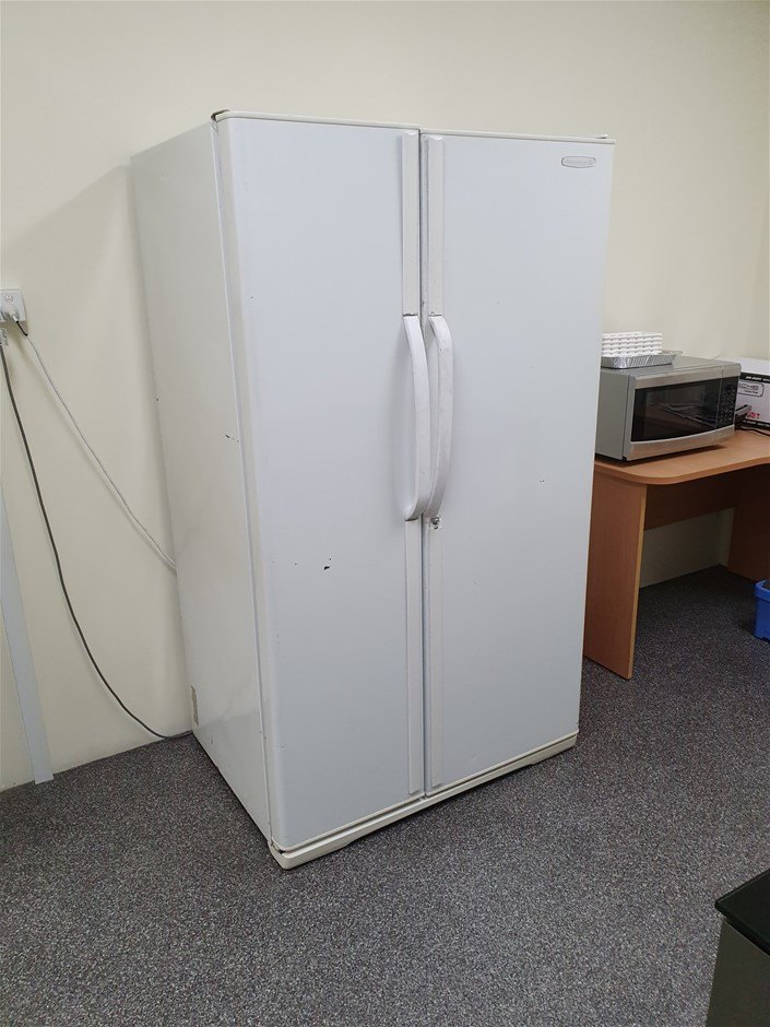 Kelvinator N660 Fridge & Freezer