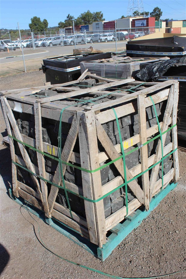 1 x Wood Crate of Bassalt Cable Stone Blocks