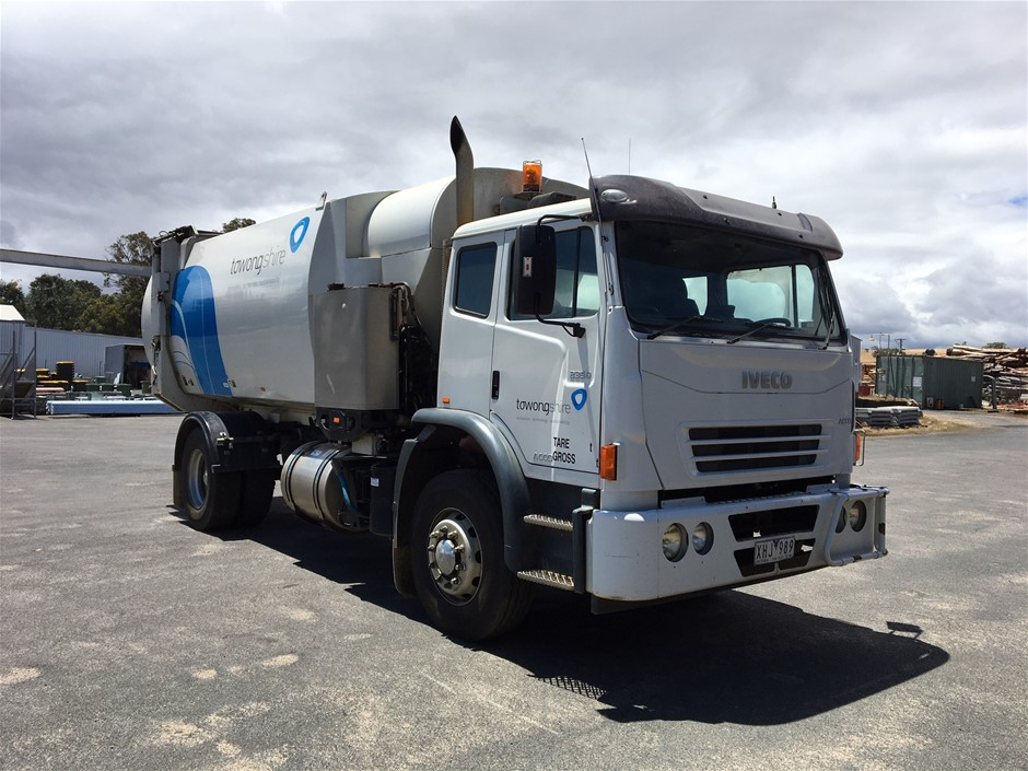 2009 Iveco Acco 2350G 4 x 2 Garbage Truck