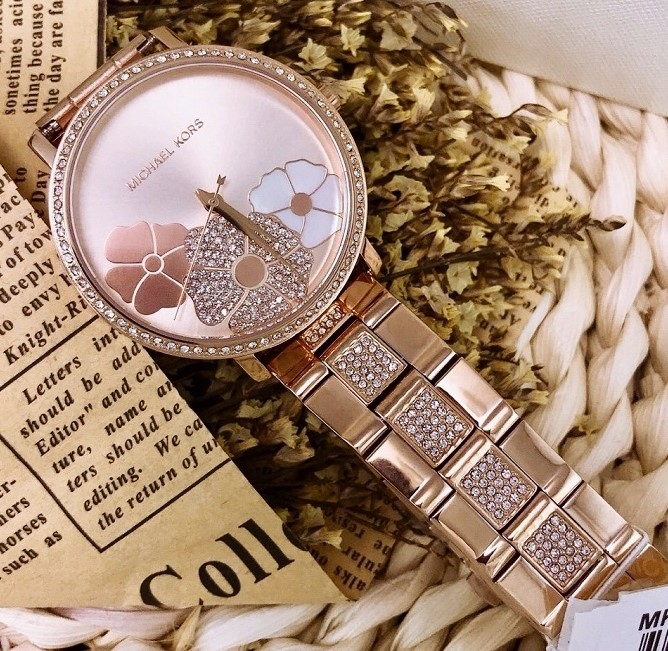 Ladies new vert glamorous watch from Michael Kors Couture NY