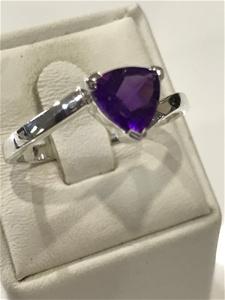 Brilliant 2.00ct Amethyst Ring. Size T (