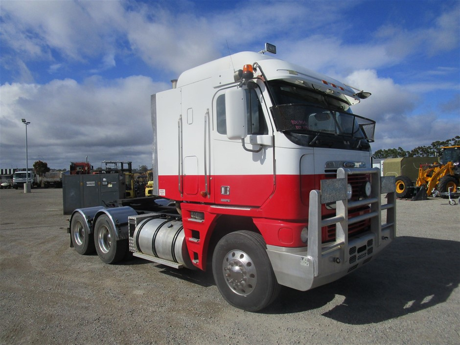 2004 Freightliner Argosy Prime Mover Truck