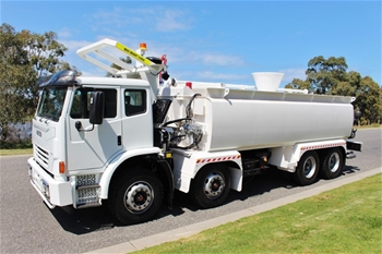 2013 Iveco ACCO2350 Water Truck Automatic