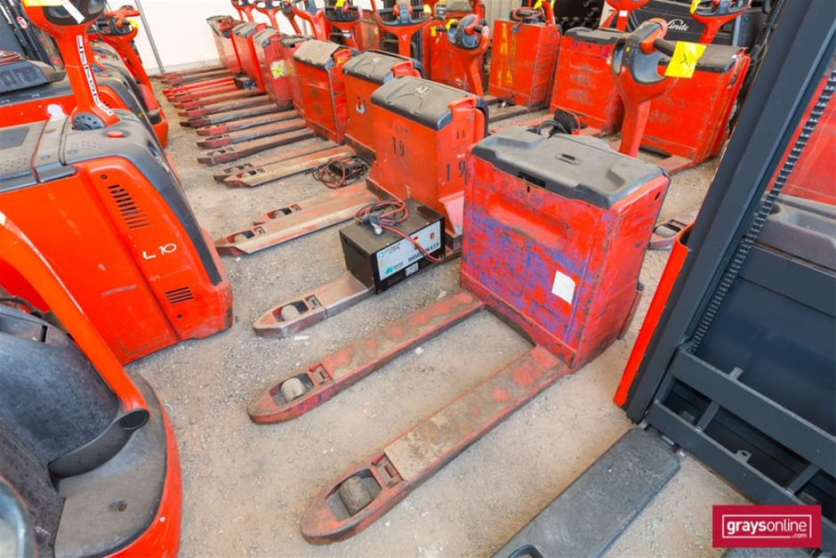 2013 Linde T16 Electric Pallet Truck Year: 2013 Make: