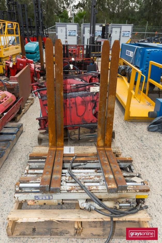 2012 Cascade Double Pallet Handler Twin Tyne Attachment Build D