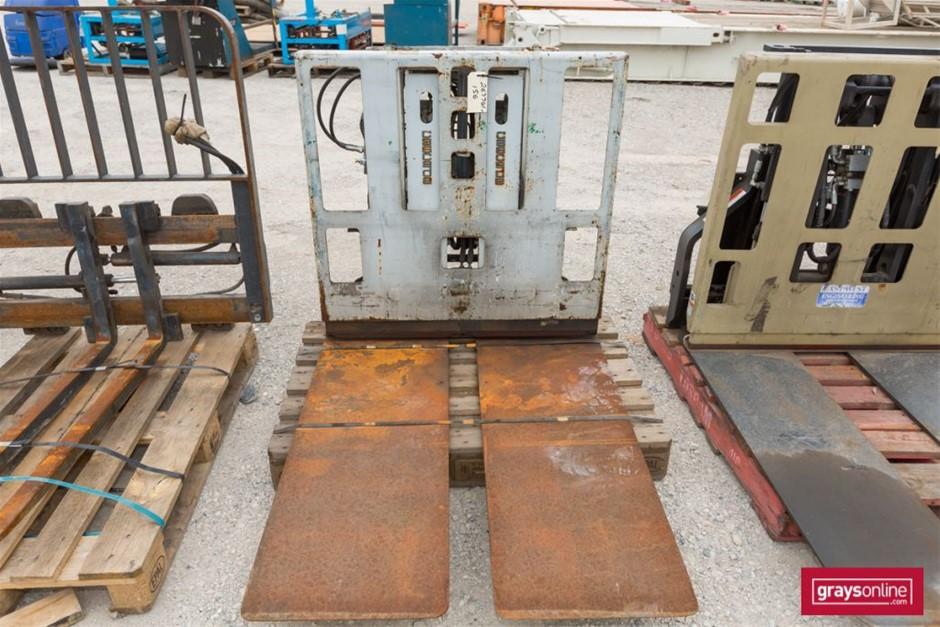 Cascade 45D-QPA-119 Forklift Attachment Wide Tynes Build Date: