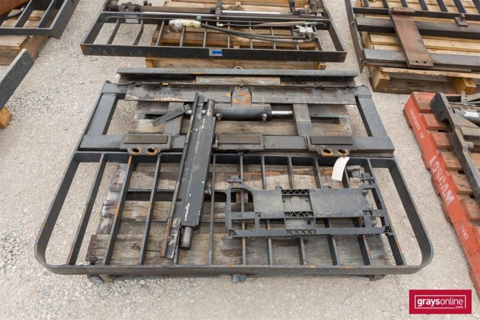 Forklift Frame Size: (W)1500mm (H)1160mm Damage: Scraped,