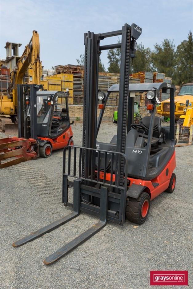 2010 1.8 Tonne Linde H18T-03 4 Wheel Counter Balance Forklift