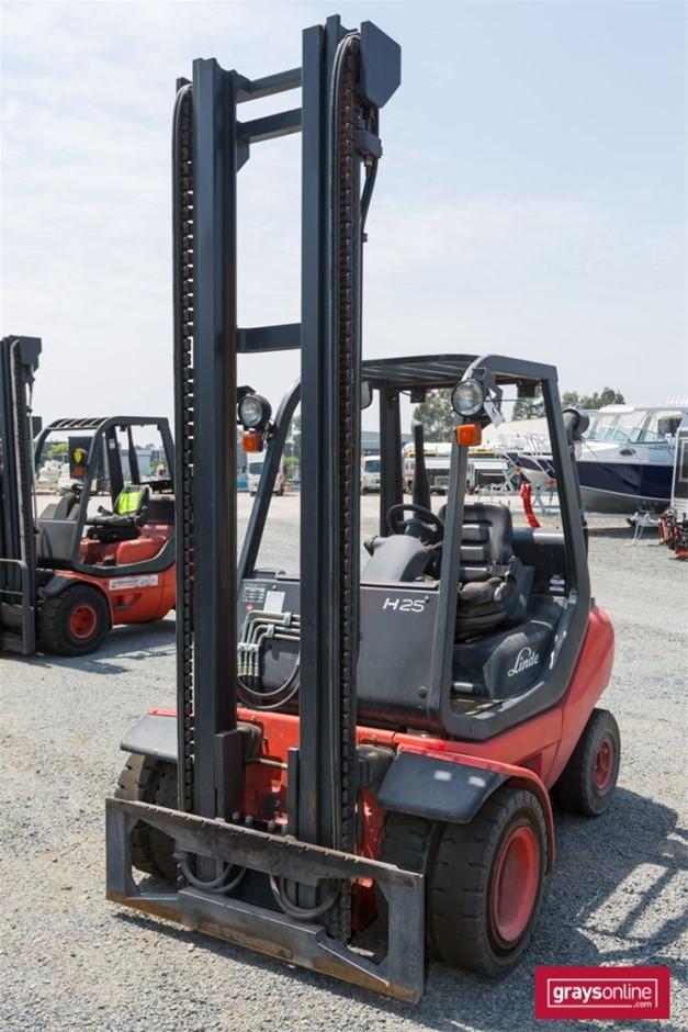 2009 2.5 Tonne Linde H25T-05 4 Wheel Counter Balance Forklift