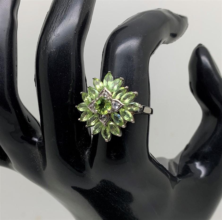 Dazzling Peridot Ring Size 'N'