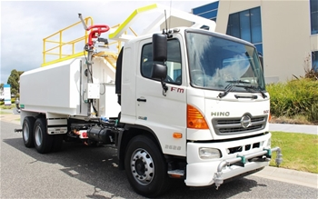 2011 Hino FM500 Water Truck Automatic