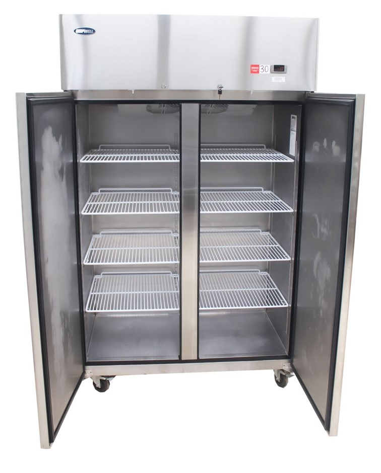 AS NEW WELLQUIP UPRIGHT 2 DOOR FREEZER, QUALITY COMMERCIAL KITCHEN