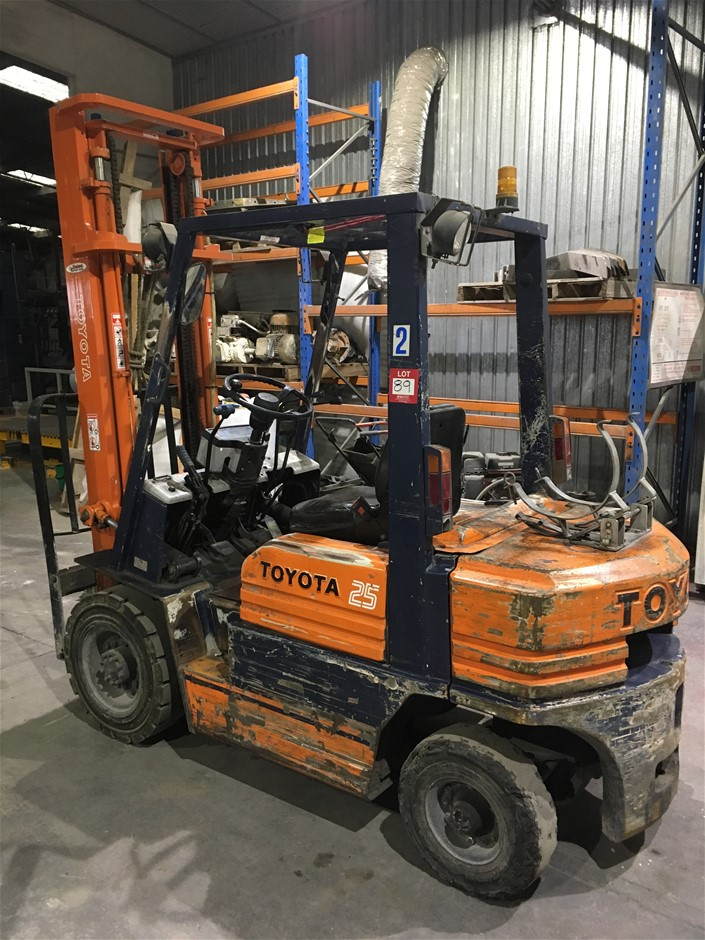 Toyota 25 Forklift, Model: 42-5FG25, 2600mm mast requires new engine