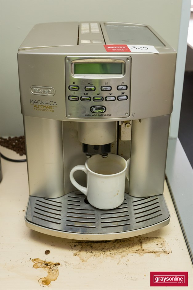 "Delonghi Coffee Machine ""Magnifica Automatic Cappuccino"""