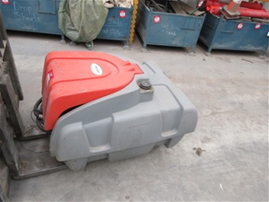 Fuel Tank with Pump and Hoses