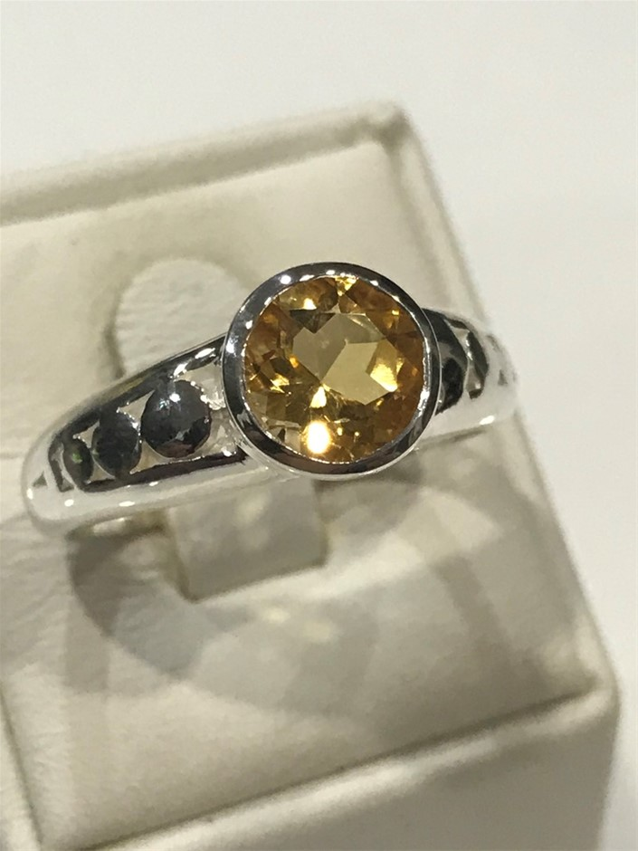 Truly Magnificent 2.50ct Citrine Ring Size R (8.75)