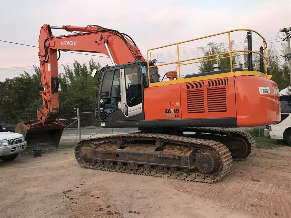 2011 Hitachi Zaxis 330LC 33 Ton Excavator with Tilting Bucket