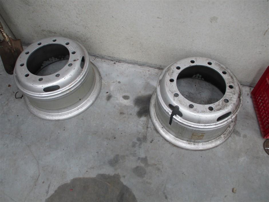 2x Truck 10 Stud Rims