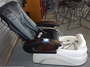 TS85628W Massage and Pedicure Chair