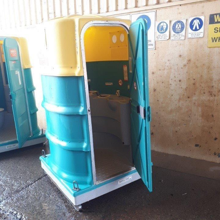 Toilet Portable - Fresh Water Flush - FORMIT PB28